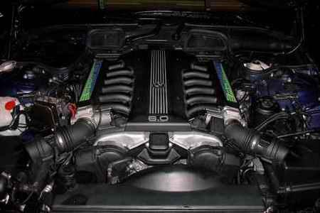 V12-Motor im BMW Alpina B12 6.0